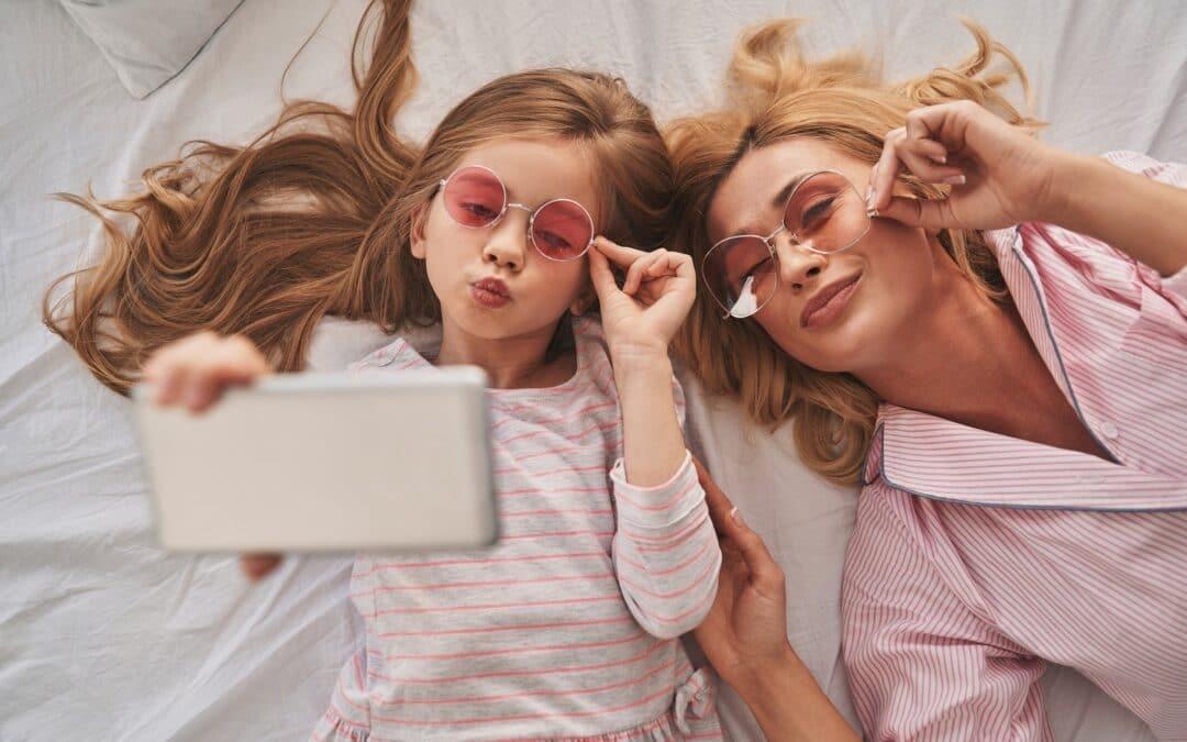 Foto's van jouw kind op social media: schandalig of superleuk?