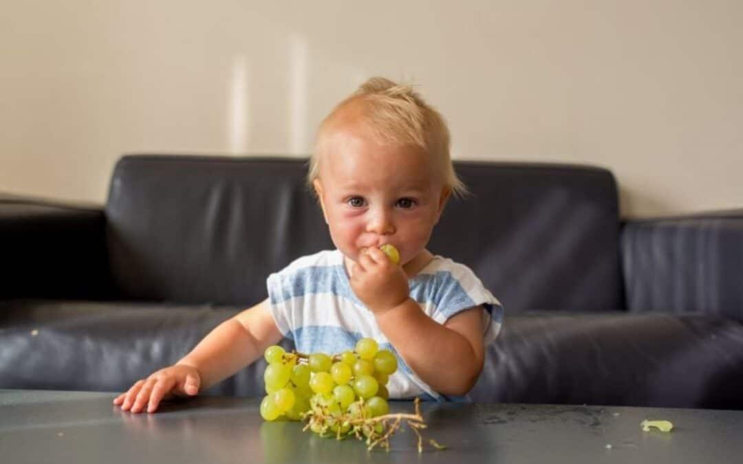 Ik ben zo'n moeder die… druiven blijft snijden