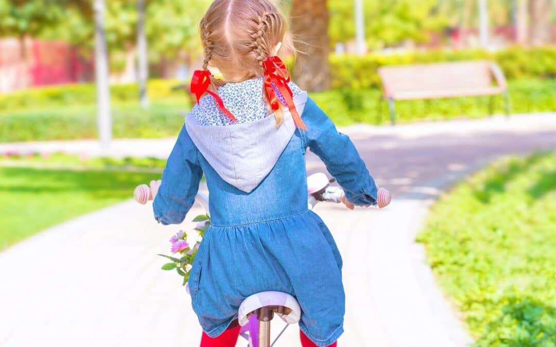 Van achterop naar je eigen fiets